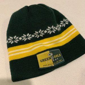 Green Bay Packer beanie winter hat green & gold